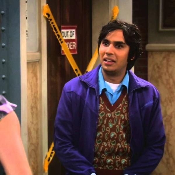Rajesh Koothrappali avec la soeur de Sheldon
