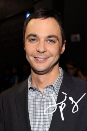 Jim Parsons souriant