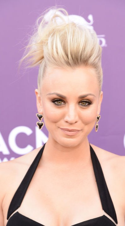 Penny (Kaley Cuoco) ACM Awards