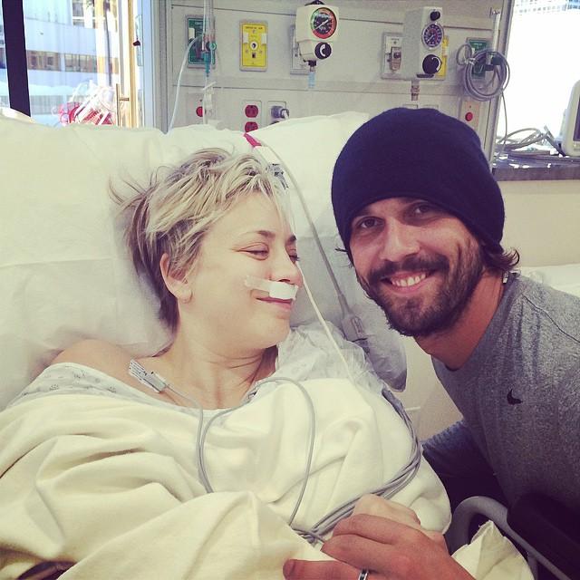 Kaley Cuoco : opération des sinus